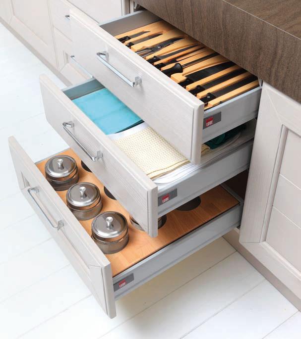 Accessori interni per cassetti e cestoni | Perego Arredamenti