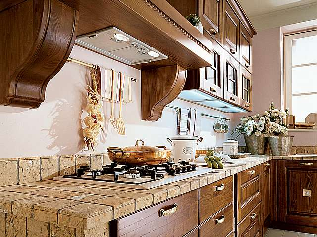 Cucine classiche lube modello laura perego arredamenti - Catalogo cucine lube ...